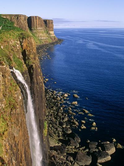 Kilt Rock, Isle of Skye, Scotland-Paul Harris-Photographic Print