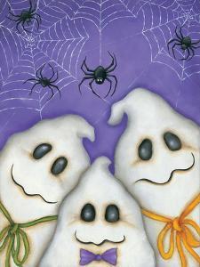 3 Spooks by Kim Lewis