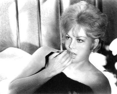 Kim Novak, Of Human Bondage (1964)