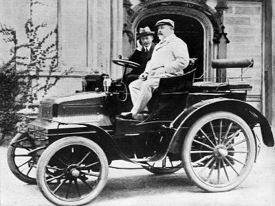 King Edward VII in Lord Montagu's 1899 Daimler 12Hp, 1900--Giclee Print