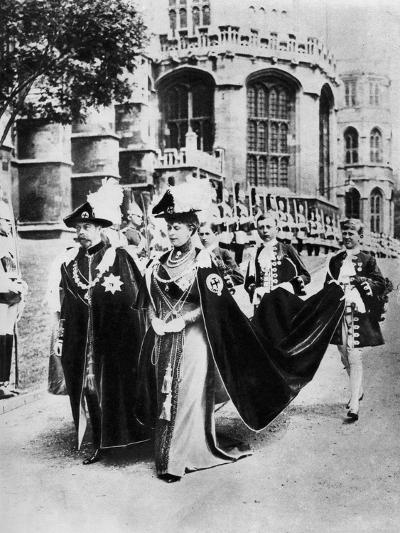 King George V and Queen Mary in the Robes of the Knights of the Garter, Windsor, 1937--Giclee Print