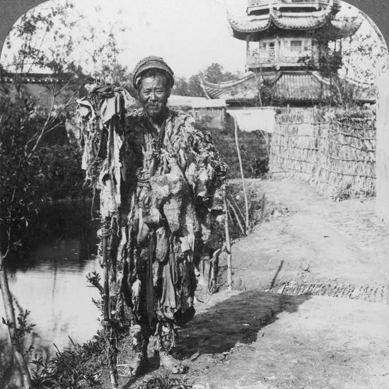 King of the Beggars, Loong Wah, China, Late 19th or Early 20th Century-Underwood & Underwood-Photographic Print