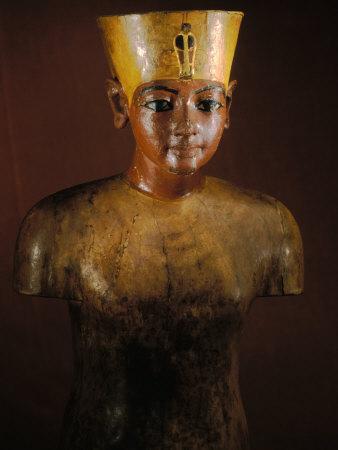 https://imgc.artprintimages.com/img/print/king-tutankhamun-tut-manniken-wooden-torso-egyptian-museum-valley-of-the-kings-egypt_u-l-p4jtd80.jpg?p=0