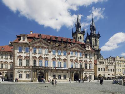 Kinský Palace and the Gothic Church of Our Lady before Tyn on the Old-Town Square--Photographic Print