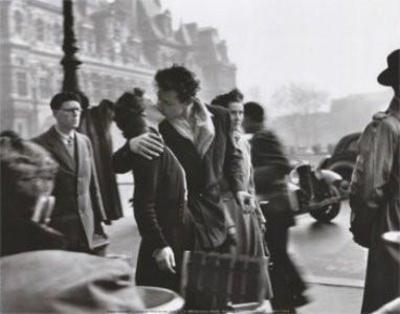 https://imgc.artprintimages.com/img/print/kiss-by-the-hotel-de-ville-1950_u-l-f9ijak0.jpg?p=0