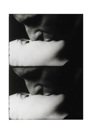 https://imgc.artprintimages.com/img/print/kiss-c-1963_u-l-f54apa0.jpg?p=0