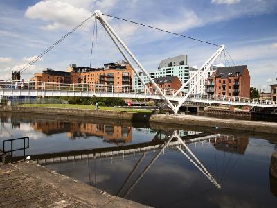 Knights Way Bridge at Leeds Lock No 1, Leeds, West Yorkshire, Yorkshire, England, UK, Europe-Mark Sunderland-Photographic Print