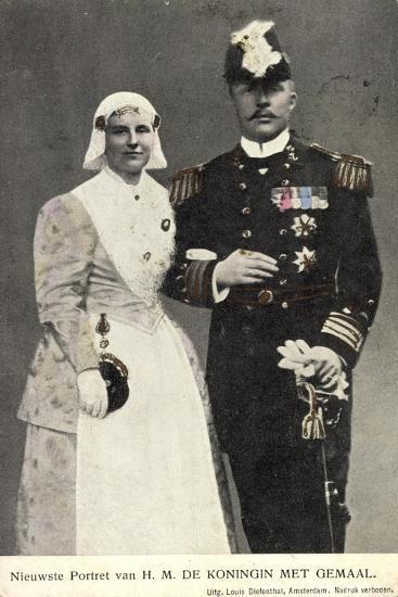 Koningin Wilhelmina Met Gemaal, Niederlande--Giclee Print
