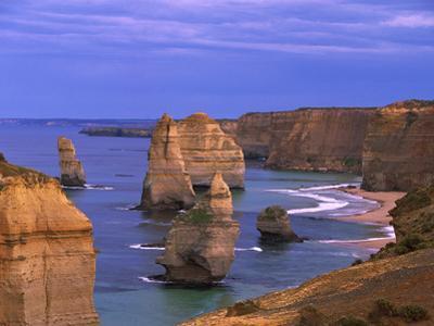 Twelve Apostles Limestone Cliffs, Port Campbell National Park, Victoria, Australia