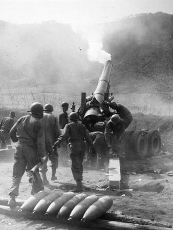 https://imgc.artprintimages.com/img/print/korean-war-artillery_u-l-q10v4aw0.jpg?p=0