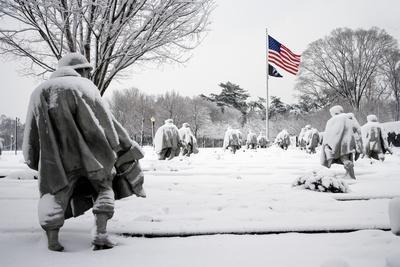 https://imgc.artprintimages.com/img/print/korean-war-veterans-memorial-washington-d-c_u-l-pt892l0.jpg?p=0