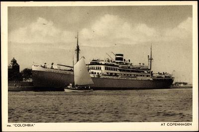 Kpm Line, Dampfer Colombia Am Hafen Von Kopenhagen--Giclee Print