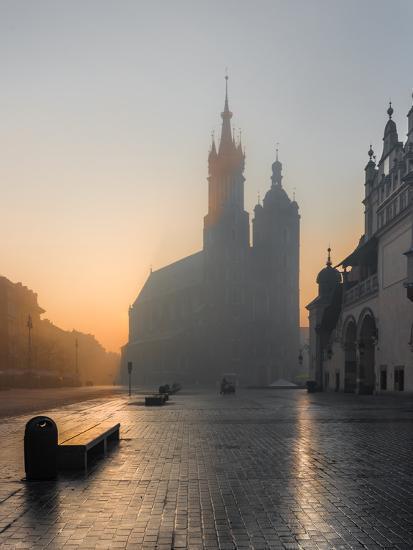 Krakow, Poland, St Mary's Church and Sukiennice (Cloth Hall) on the Main Market Square in Morning F-Tomasz Mazon-Photographic Print