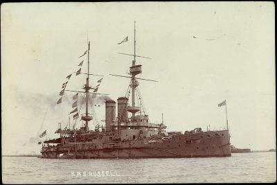 Kriegsschiff H. M. S. Russel Nahe Der Küste--Giclee Print