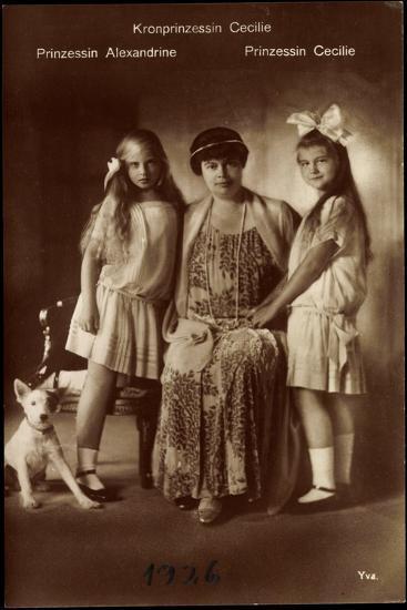 Kronprinzessin Cecilie Mit Ihren Töchter Alexandrine Und Cecilie, Terrier--Giclee Print