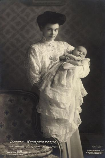 Kronprinzessin Cecilie Von Preußen Mit Sohn, Liersch--Giclee Print