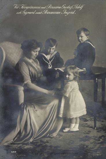 Kronprinzessin, Gustav Adolf, Sigvard, Prinz. Ingrid--Giclee Print