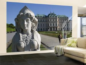 Schloss Belvedere (Belvedere Palace) by Krzysztof Dydynski