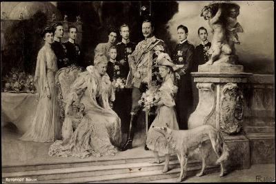 Künstler Rph, Kaiserliche Familie Unter Wilhelm Ii, Auguste Viktoria,Windhund--Giclee Print