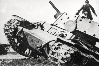 Kv-1 Kliment Voroshilov Heavy Tank--Photographic Print