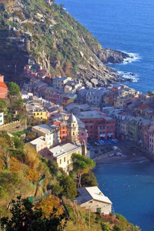 Europe, Italy, Vernazza. Cinque Terre Town of Vernazza, Italy