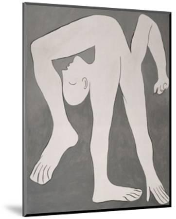 L'acrobate (The Acrobat)-Pablo Picasso-Mounted Print