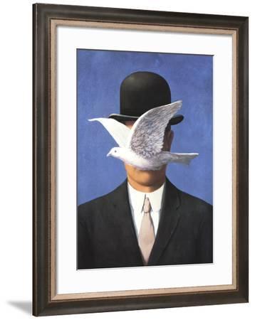 L'homme au chapeau melon (No Border)-Rene Magritte-Framed Art Print