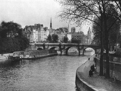 L'Ile De La Cite, Paris, 1937-Martin Hurlimann-Giclee Print