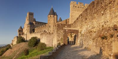 https://imgc.artprintimages.com/img/print/la-cite-medieval-fortress-city-carcassonne-languedoc-roussillon-france_u-l-q12sb9b0.jpg?p=0