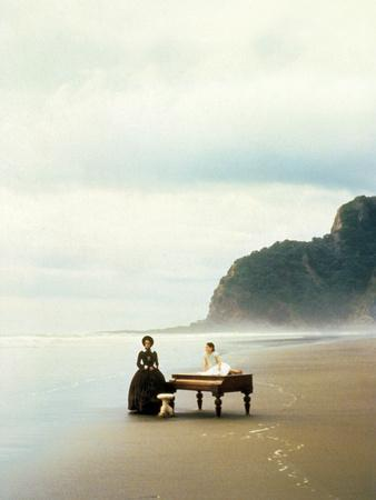 https://imgc.artprintimages.com/img/print/la-lecon-de-piano-the-piano-de-jane-campion-avec-holly-hunter-anna-paquin-1993-palmed-or1993_u-l-pwgigk0.jpg?p=0
