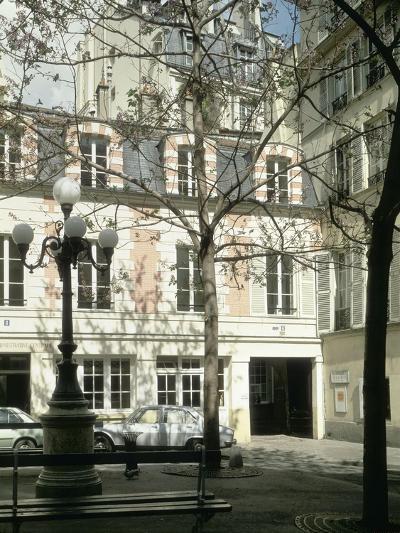 La place Fürstenberg : musée Delacroix--Giclee Print