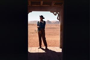 La Prisonniere du Desert THE SEARCHERS by JohnFord with John Wayne, 1956 (photo)