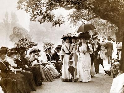 Ladies of Edwardian Society Take a Stroll in Hyde Park, 1905--Photographic Print