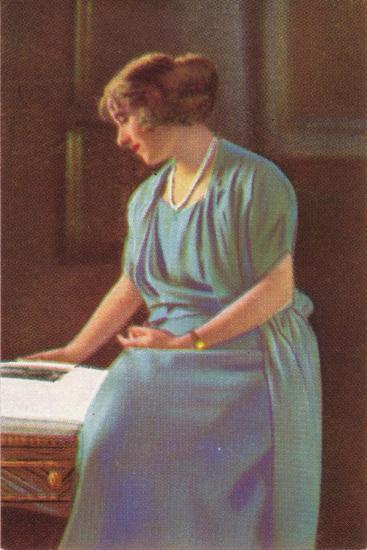 Lady Elizabeth Bowes-Lyons (1900-200)--Giclee Print