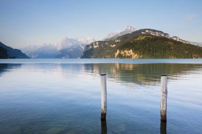 https://imgc.artprintimages.com/img/print/lake-lucerne_u-l-pzqrgj0.jpg?p=0