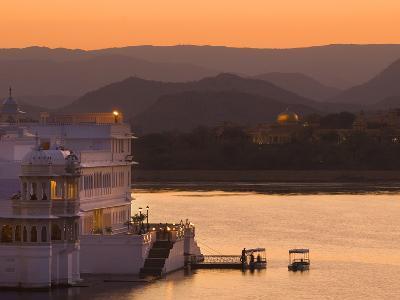 Lake Palace Hotel, Udaipur, Rajasthan, India, Asia-Ben Pipe-Photographic Print