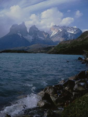 https://imgc.artprintimages.com/img/print/lake-pehoe-torres-del-paine-national-park-patagonia-chile_u-l-q12rjw50.jpg?p=0