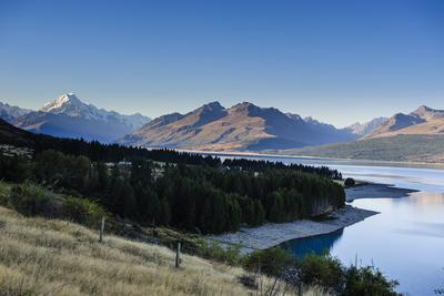 https://imgc.artprintimages.com/img/print/lake-pukaki-mount-cook-national-park-south-island-new-zealand-pacific_u-l-psl64y0.jpg?p=0