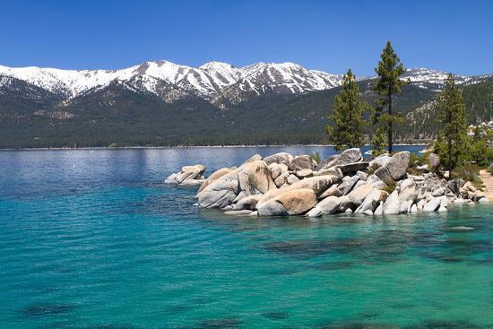 lake-tahoe-mountains