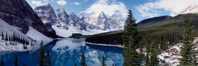 https://imgc.artprintimages.com/img/print/lake-with-snow-covered-mountains-in-the-background-moraine-lake-banff-national-park-alberta_u-l-psms2o0.jpg?p=0