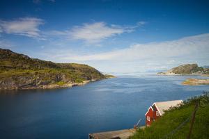 Norwegian Seaside by Lamarinx