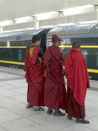 https://imgc.artprintimages.com/img/print/lamas-awaiting-arrival-of-train-new-railway-station-beijing-to-lhasa-lhasa-tibet-china_u-l-p1ey240.jpg?p=0