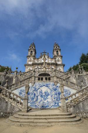 https://imgc.artprintimages.com/img/print/lamego-portugal-shrine-of-our-lady-of-remedies-exterior-steps_u-l-pyozl70.jpg?p=0