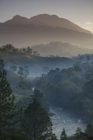 https://imgc.artprintimages.com/img/print/landscape-rio-lanquin-lanquin-guatemala-central-america_u-l-psy0zp0.jpg?p=0