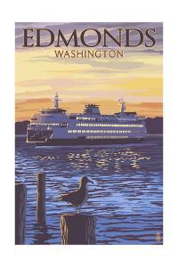 Edmonds, Washington - Ferry Sunset and Gull by Lantern Press