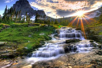 Glacier National Park, Montana - Mt. Reynolds and Sun Rays by Lantern Press
