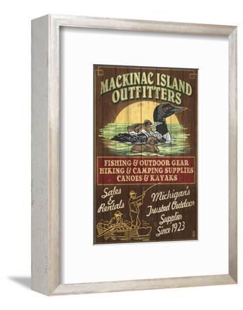 Mackinac Island, Michigan - Loon Outfitters