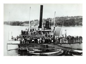 Mt Washington Steamer by Lantern Press