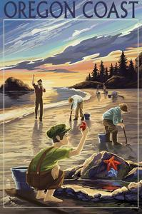 Oregon Coast - Clam Diggers by Lantern Press