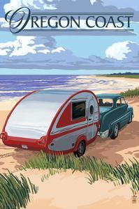 Oregon Coast - Retro Camper on Beach by Lantern Press